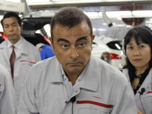nissan-and-renault-ceo-carlos-ghosn-flies-more-than-150000-miles-a-year